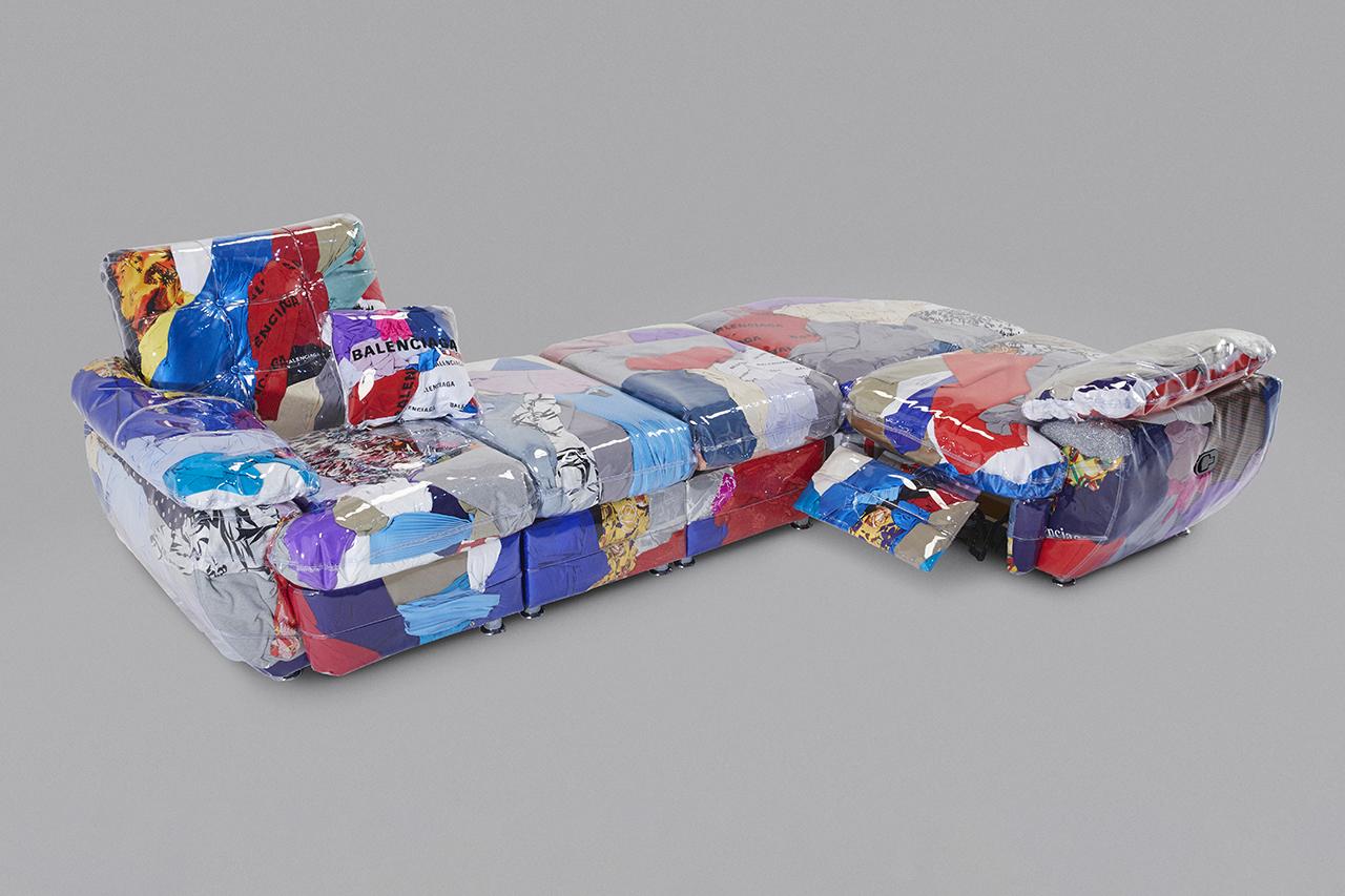 废物利用 - Balenciaga 携手 Harry Nuriev 打造「瑕疵服饰沙发」
