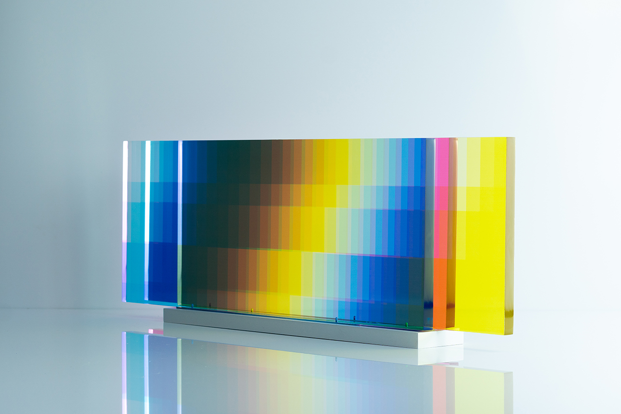 Felipe Pantone 推出全新互动式光影艺术作品《MANIPULABLE 3》