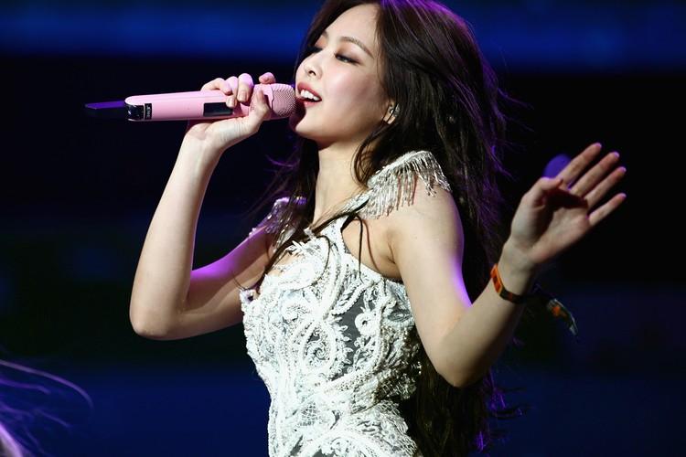 人气韩国女团 BLACKPINK 成员 Jennie 个人 Youtube 频道于 24 小时内打破纪录