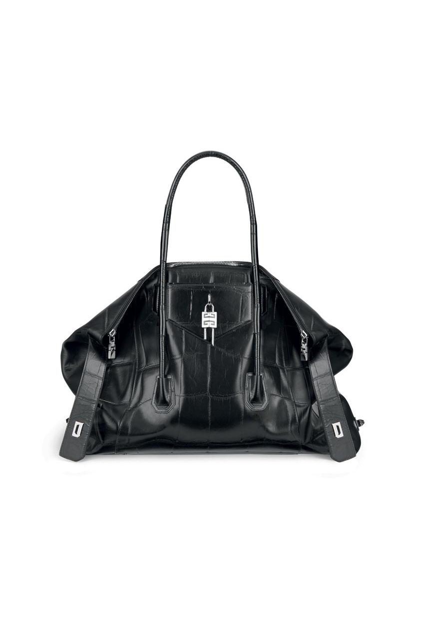 Givenchy 正式发表 Matthew M. Williams 设计之全新 Antigona 手袋系列