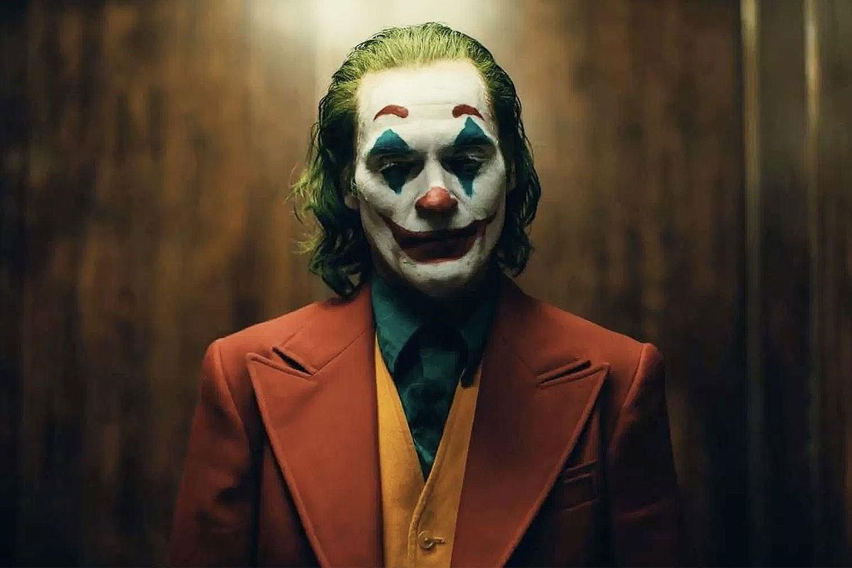 消息称 Joaquin Phoenix 主演《Joker》导演已和 Warner Bros. 签下续集拍摄合约
