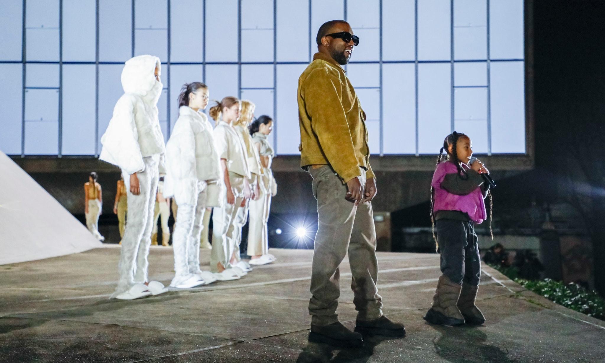 Kanye West 品牌 Yeezy 与 Gap 达成十年合作协议