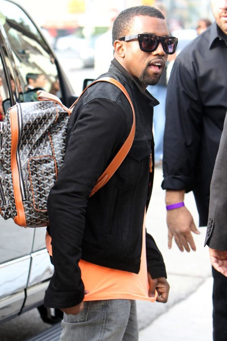 Kanye West「机器人脸」Goyard 双肩包以 5.5 万美元成交
