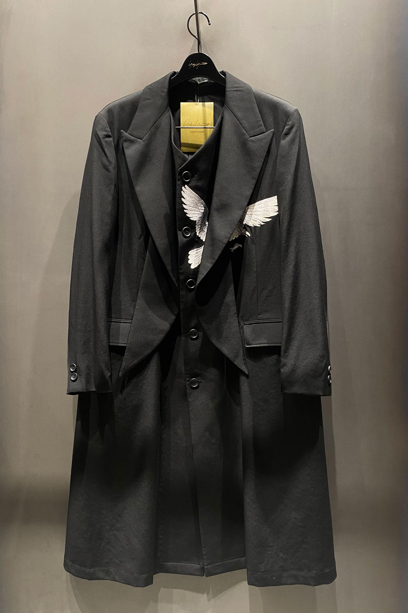 YOHJI YAMAMOTO 经典乌鸦大衣于中国地区复刻发售