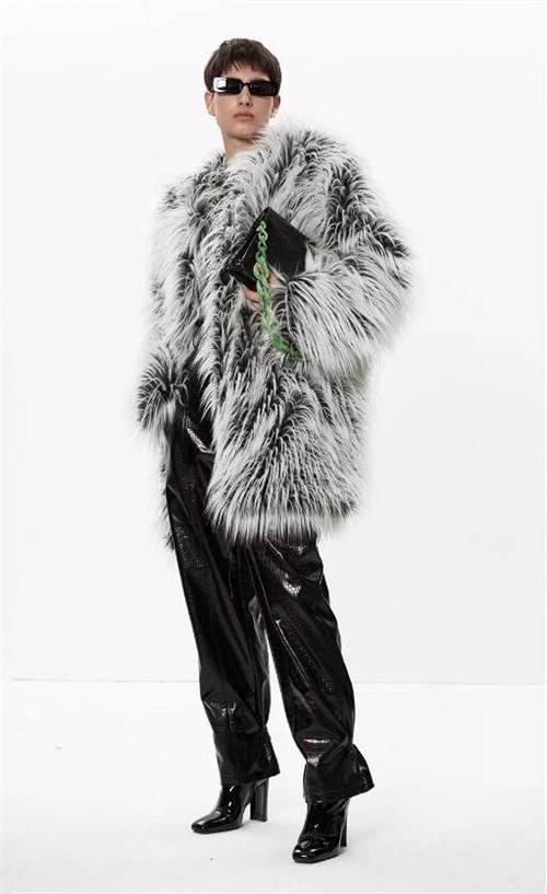 ANNAKIKI女装2019冬季保命又时髦的皮草穿搭大法
