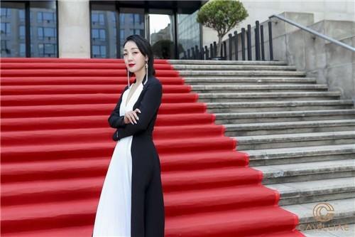 盖娅传说品牌创始人熊英惊艳亮相第二届上海国际舞会暨国际领袖论坛