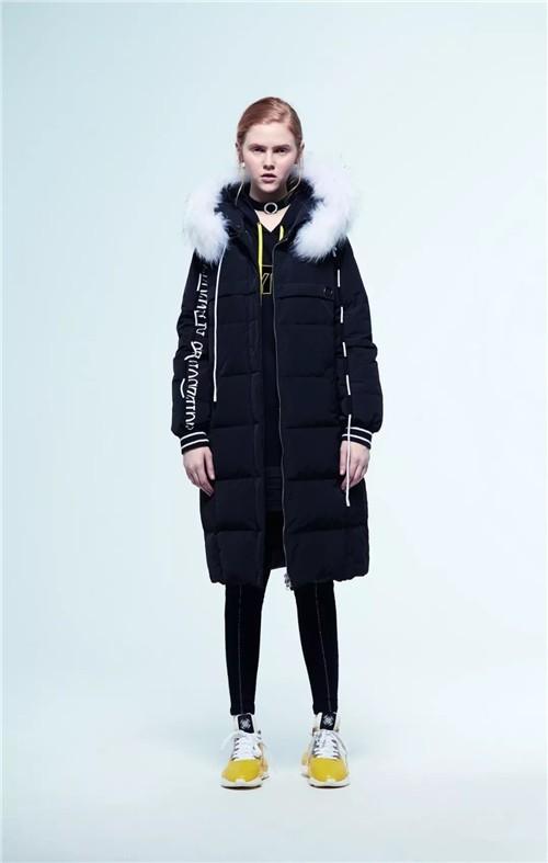 黑白时尚 BYME潮牌女装冬季新款服饰搭配流行趋势