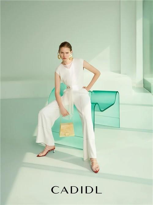 卡迪黛尔CADIDL女装2020夏季新款搭配:有界之外