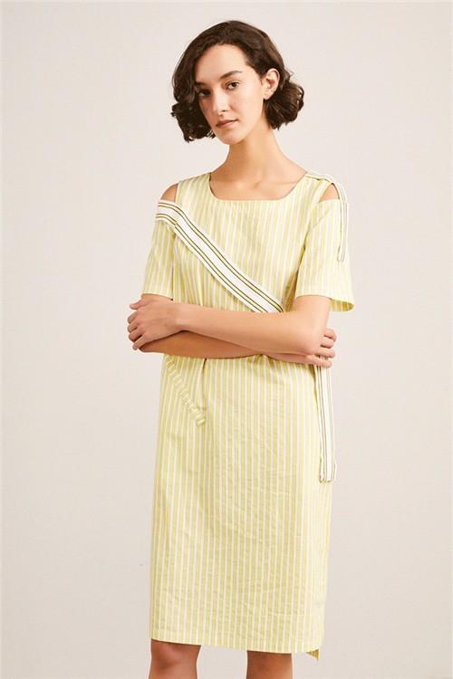XIRAN熙然女装2020夏季新款元气柠檬黄,出街自带滤镜感