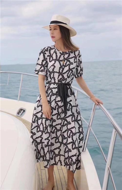 XMLee艾米尔女装2020夏季新品系列:让你的气质独一无二