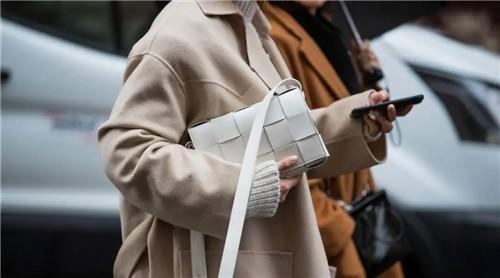 到底做什么才能让奢侈品公司成功转型?