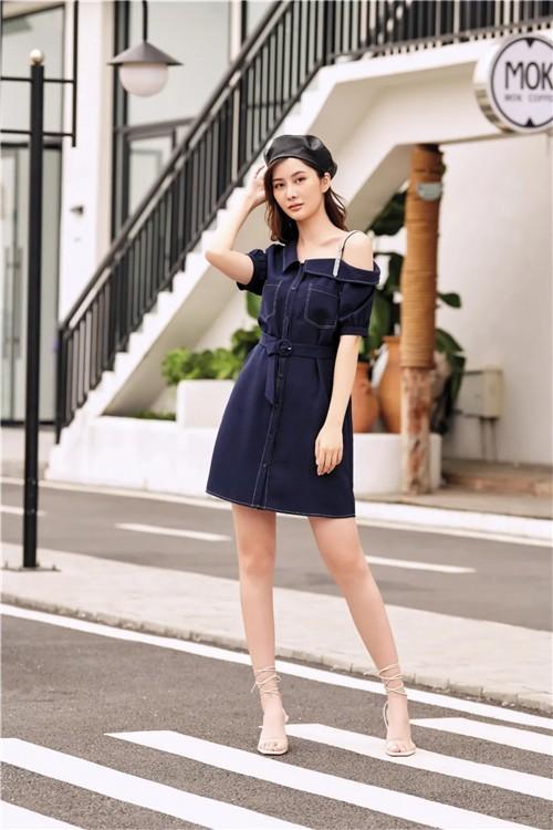 朵以DUOYI女装2020夏季新款:没有永远的晴天,也没有永远的雨季