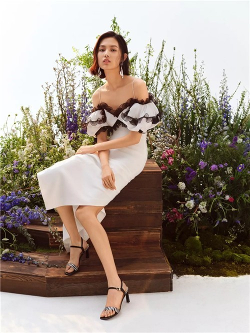 le saunda莱尔斯丹女鞋石家庄新百广场店开业